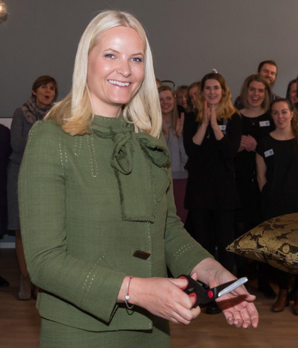 Crown+Princess+Mette+Marit+Visit+Galleri+Normisjon+24ggvJL40Nbl