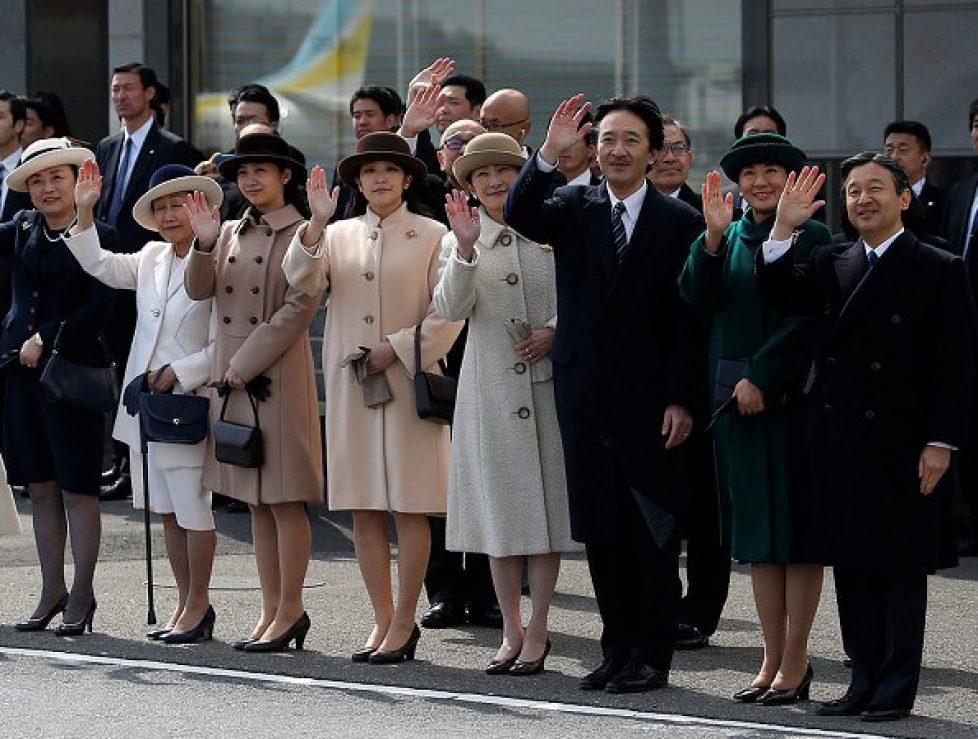 Emperor-Akihito-and-Empress-Michiko-8