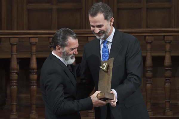 King+Felipe+Spain+Delivers+Camino+Real+Awards+XKk9BKa8GYSl