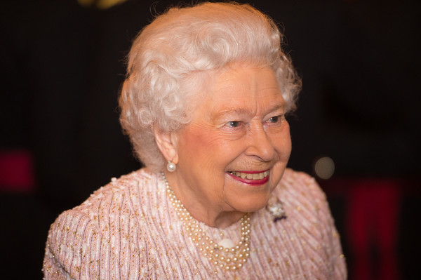 Queen+Elizabeth+II+Attends+Guidon+Royal+Lancers+llqnS0fuLtCl