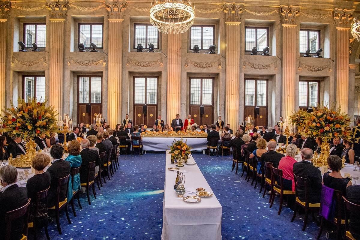 King Willem-Alexander celebrates 50th birthday with 150 Dutch People
