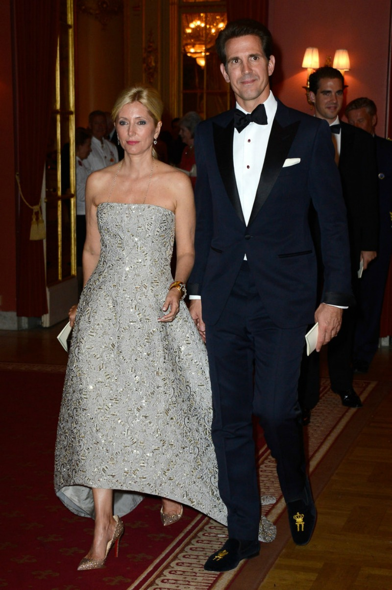 King Carl Gustaf and Queen Silvia hosted a private gala dinner at Grand Hotel for Princess Madeleine's wedding-9