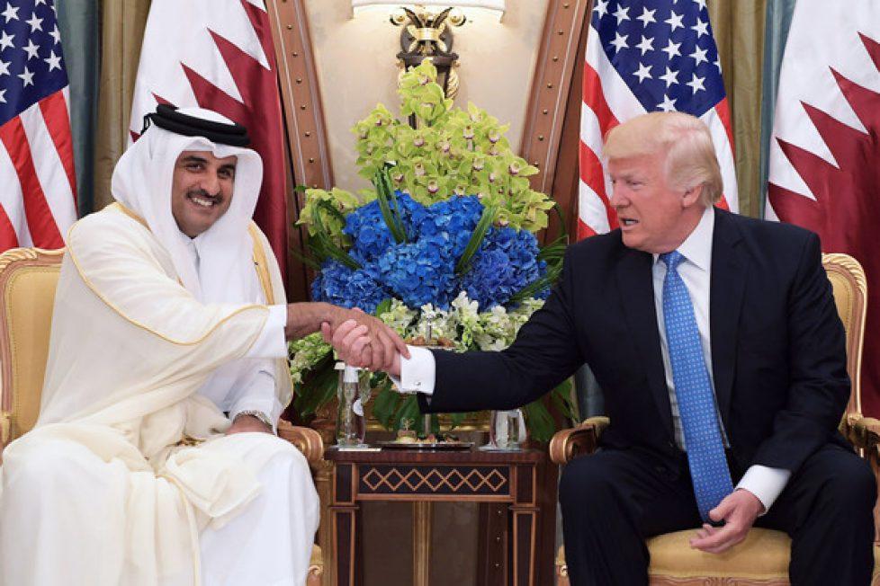President+Donald+Trump+meets+Qatar+Emir+Sheikh+VeynGYAEr_ll