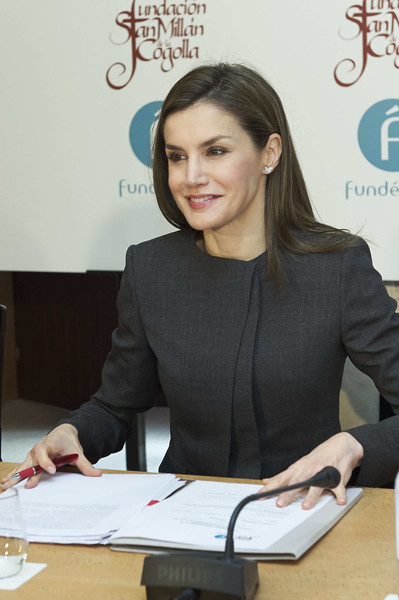 Queen+Letizia+Spain+Attends+Journalism+Language+iyBp7n46ftLl