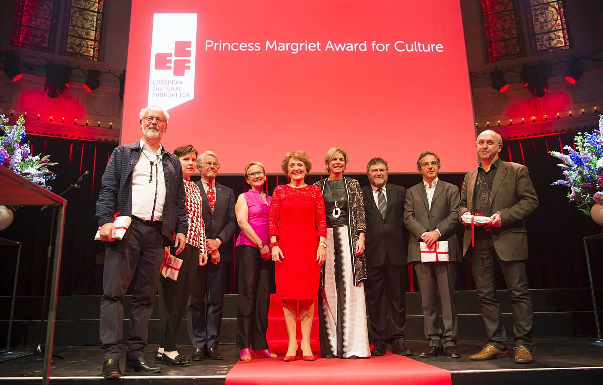 Prinses Margriet en Prinses Laurentien bij uitreiking ECF Prince