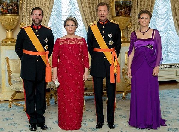 Cour grand-ducale de Luxembourg : prêt de robe - Noblesse ...
