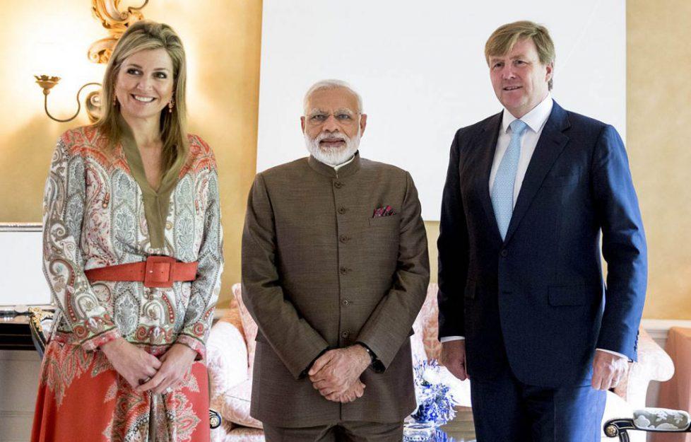 Koning ontmoet Indiase premier (POOL)