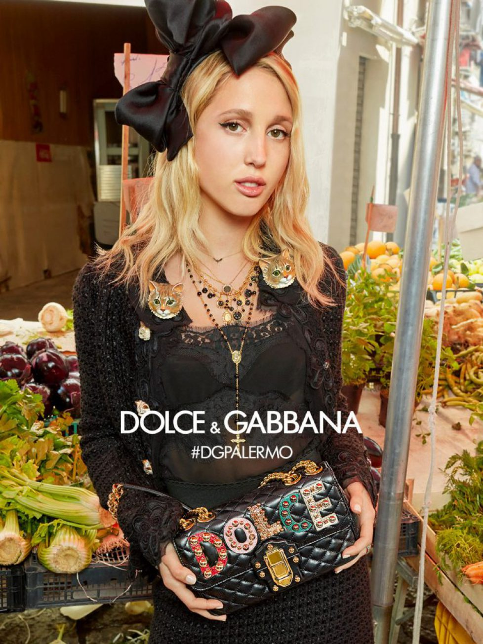 dolce-and-gabbana-winter-2018-woman-advertising-campaign-13-1079x1440