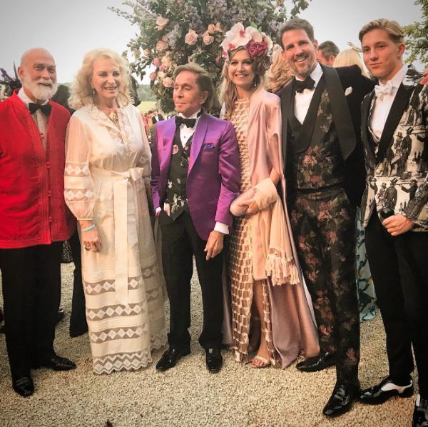 9e439296598410 Le prince Paul de Grèce a déjà célébré ses 50 ans en famille et dans un  club privé de Londres mais en ce début d été où les agendas des uns et des  ...