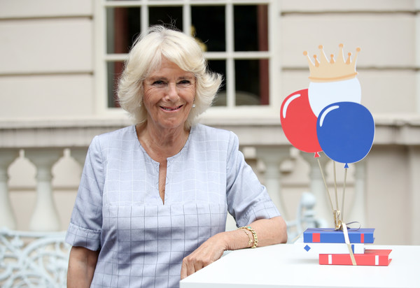 Duchess+Cornwall+Hosts+Tea+Party+Celebrate+NGNWKFrF9-ml