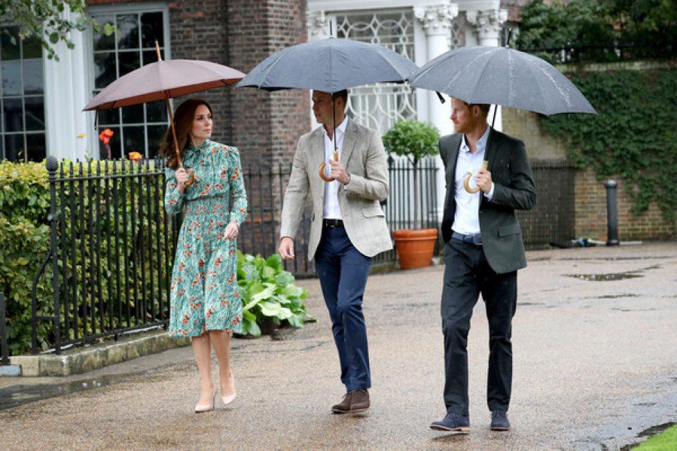 Duke+Duchess+Cambridge+Prince+Harry+Visit+gIPe2opEqZhl