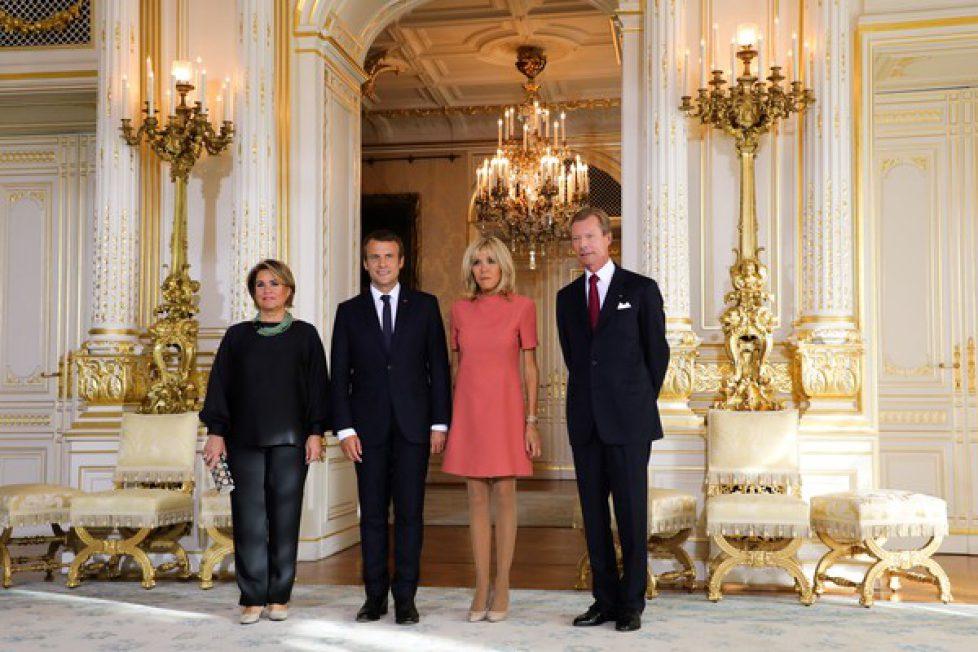French+President+Emmanuel+Macron+Wife+Brigitte+ygQAHLfkKQdl