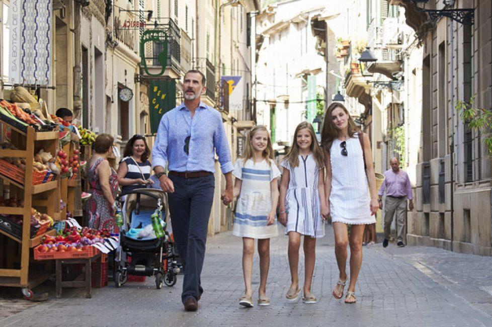Spanish+Royals+Visit+Can+Prunera+Museum+Soller+OK13JDlWKwUl