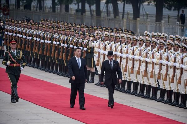 Sultan+Brunei+Hassanal+Bolkiah+Visits+China+dHpyRpEbNfml