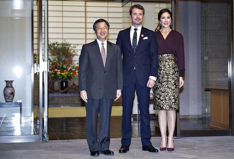 Kronprinsparret til middag på Togo Palace, Kronprinsparret
