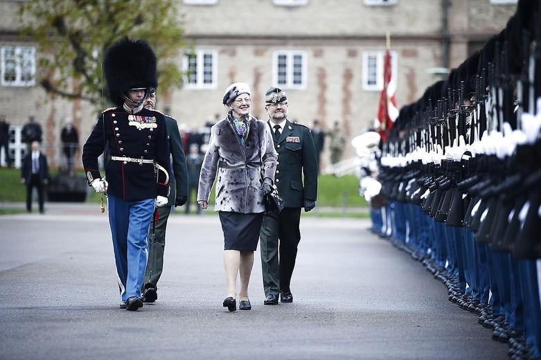 Dronningens ur til garder, Dronning Margrethe, Dronningen, Dronning Margrethe, Dronningen