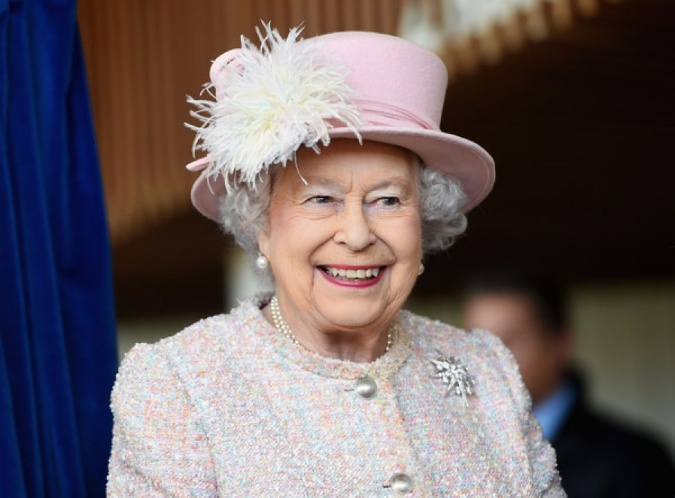 The+Queen+Visits+West+Sussex+7nm72MM3-pPl