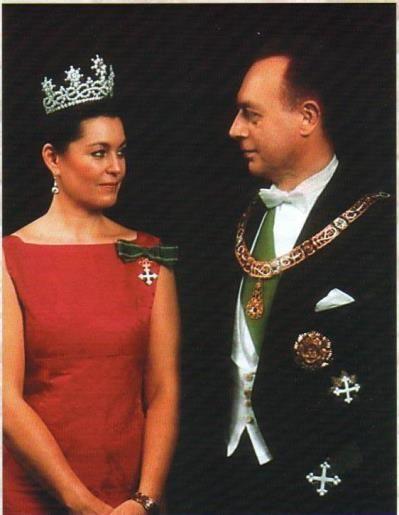 cdddc9ed61a3a00a253bb0b51366a03c-royal-tiaras-royal-crowns.jpg