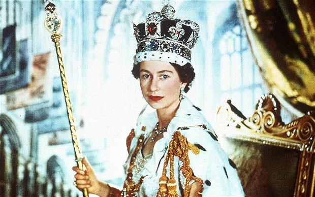 queen-cecil-beaton_2130954b-1