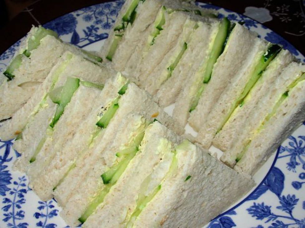 0b89ffed8f203c7ac1a9f52d856e9f6c--buckingham-palace-garden-party-cucumber-sandwiches
