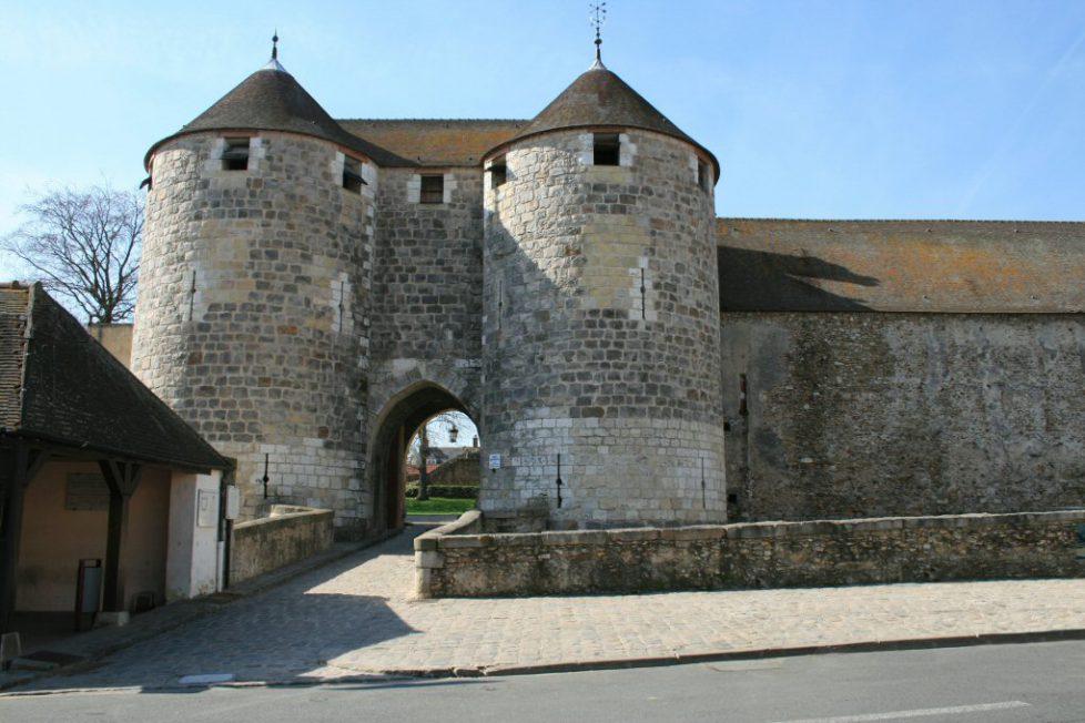 31065_chateau-de-dourdan_e