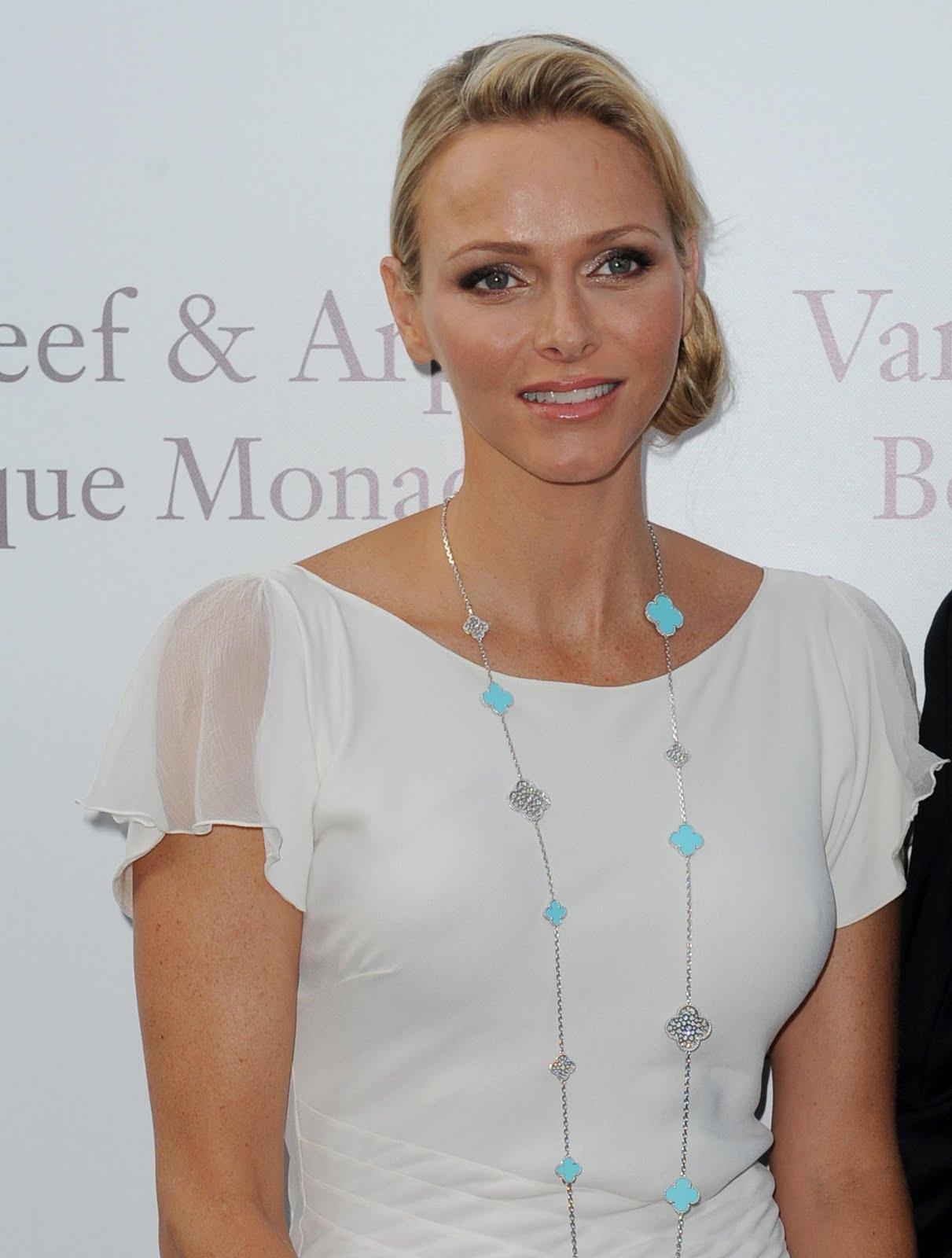 Monaco Boutique Inauguration_Princess Charlene Alhambra set_2