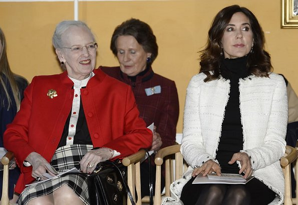 Queen-Magrethe-Crown-Princess-Mary-6