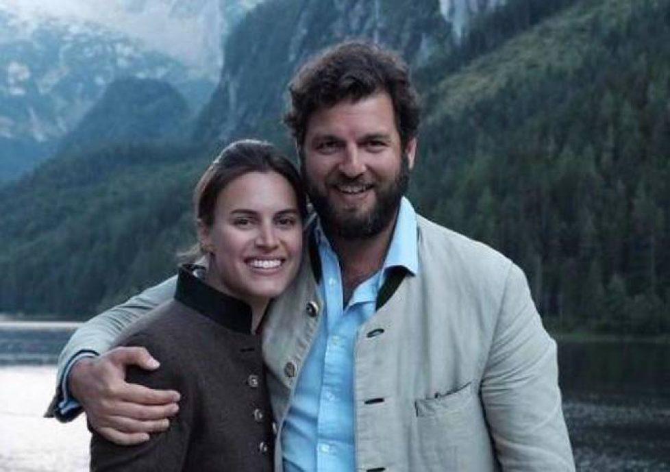 alana-bunte-y-el-principe-casimir-con-la-foto-oficial-con-la-que-anunciaron-su-compromiso
