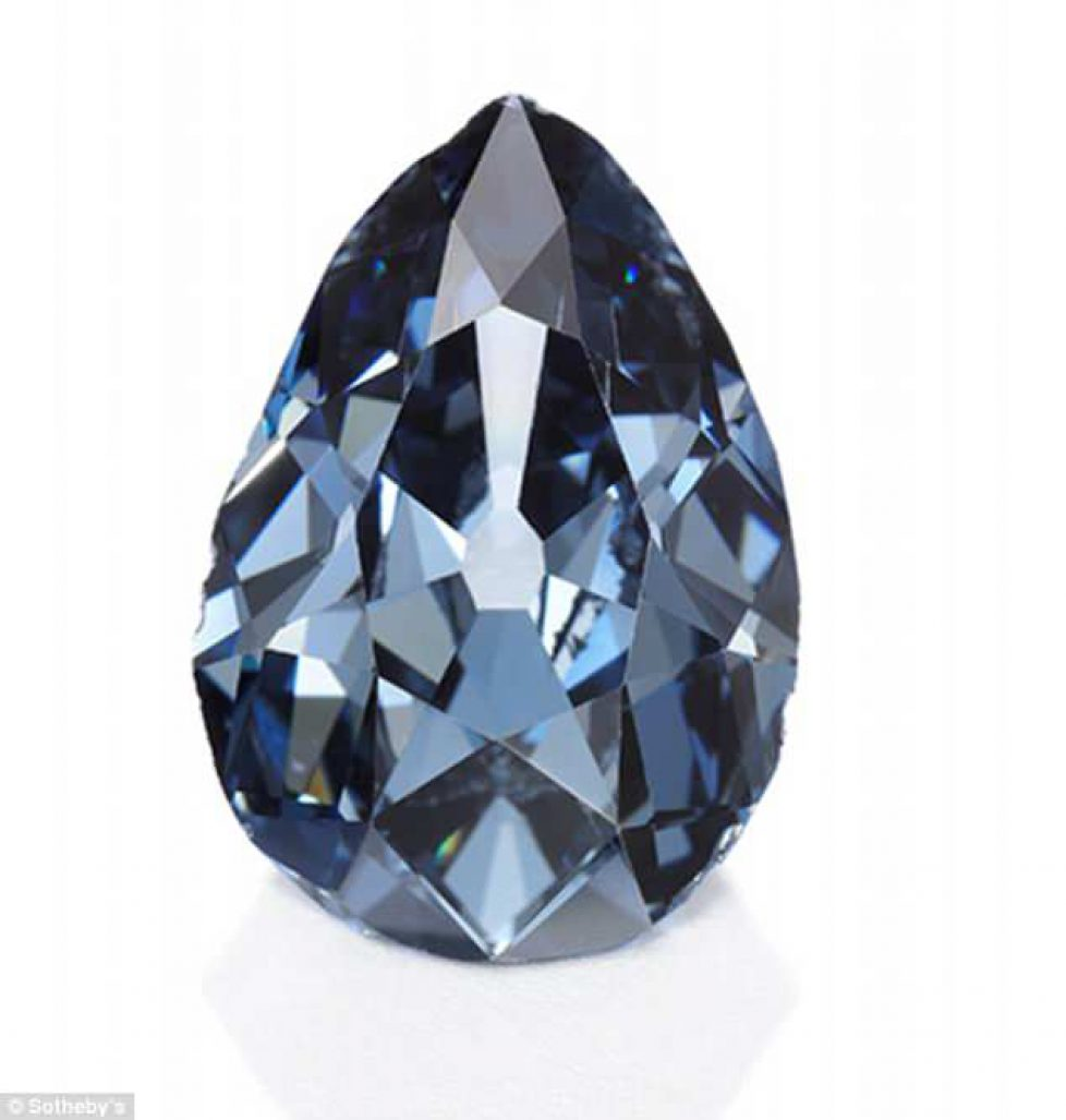 4ABBFA9F00000578-5566735-The_6_16_carat_Farnese_Blue_diamond_is_set_to_fetch_millions_of_-m-17_1522570689701