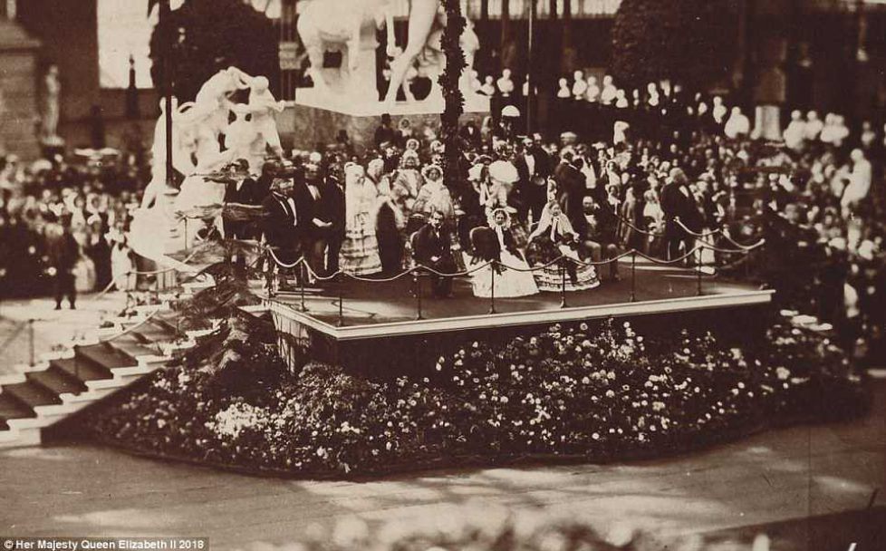 4AF838E200000578-5593503-An_1855_picture_entitled_The_Royal_and_Imperial_Visit_to_the_Cry-a-1_1523271217184