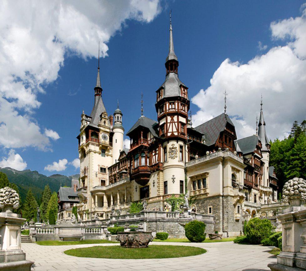 Peles-Castle-Sinaia-Romania-04