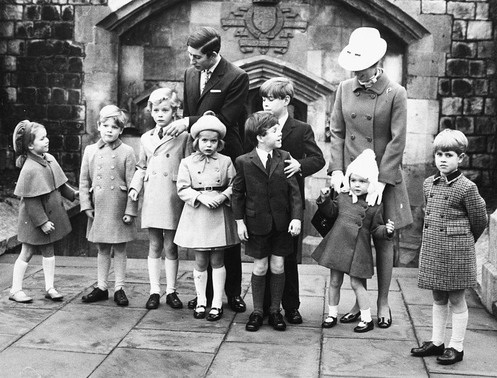 Royal-Family-at-christmas vers 1970