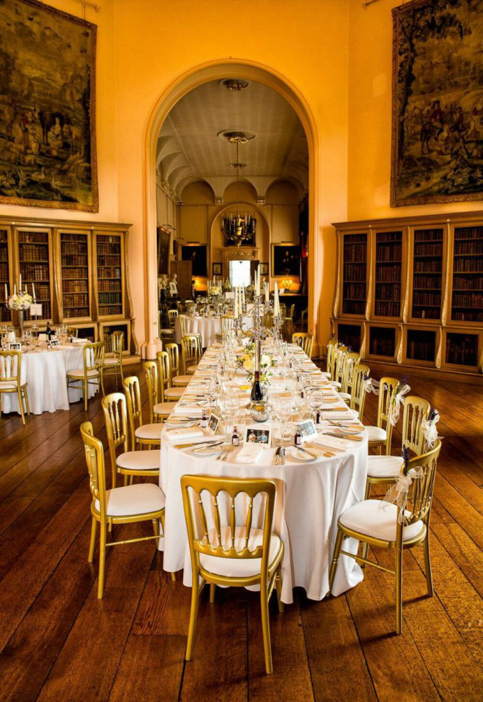 full-long-gallery-round-tables--castle-howard-estate