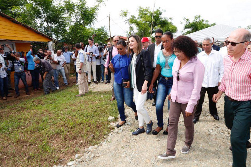 reina_viaje_cooperación_republica_dominicana_haiti_20180521_07