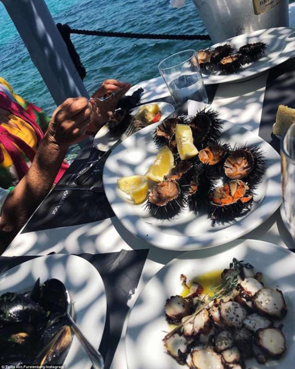 4DDB133D00000578-5910565-Yum_At_one_point_Talita_had_a_seafood_feast_at_Spilia_Seaside_Re-a-39_1530565231977