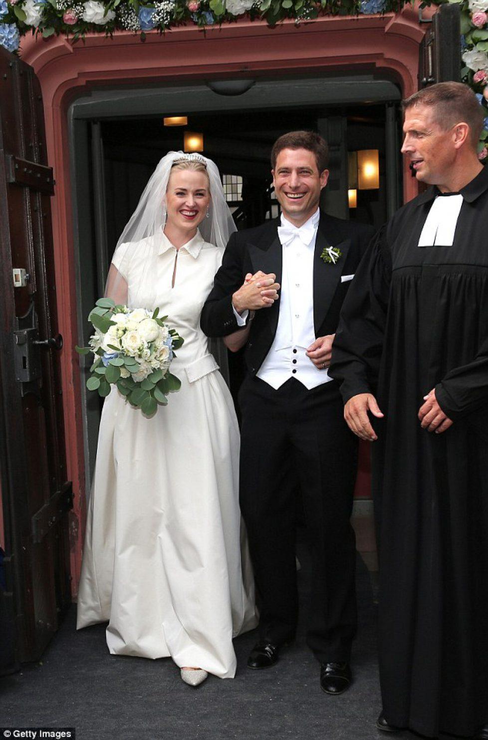 4E79C8EB00000578-5979157-Her_Serene_Highness_Princess_Theodora_Sayn_Wittgenstein_married_-a-15_1532247685698