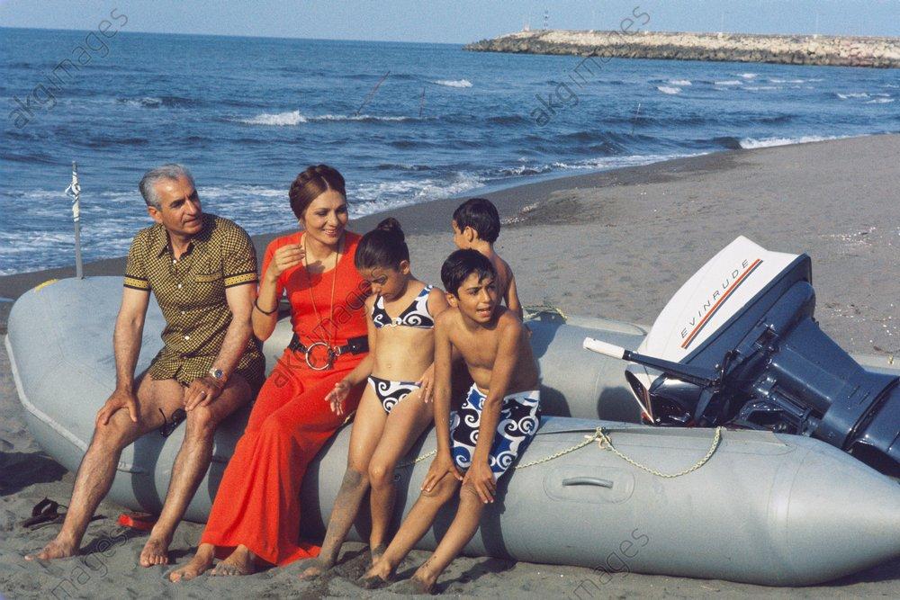 Schah Mohammed Resa u.Familie / 1970 - Shah Mohammad-Reza / Family / 1970 - Shah d'Iran et famille, juillet 1970.
