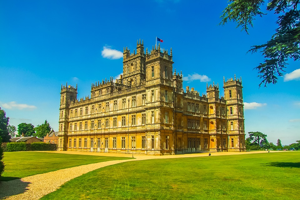 highclere-castle-848297_960_720