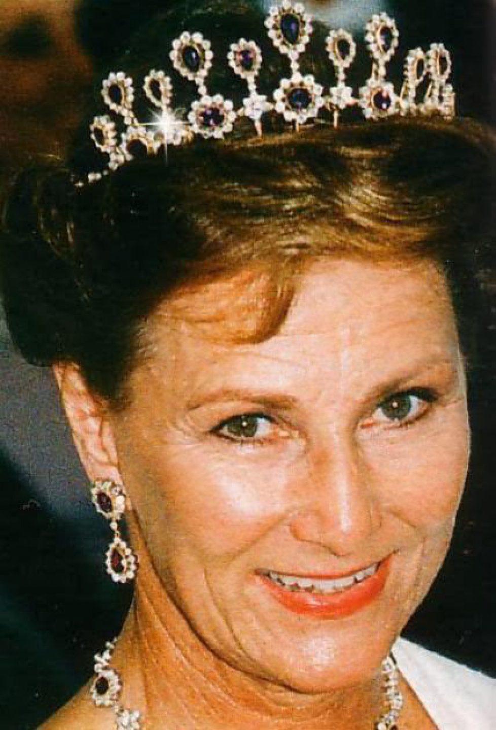 Amethyst Necklace Tiara (1990s) for Queen Sonja 1