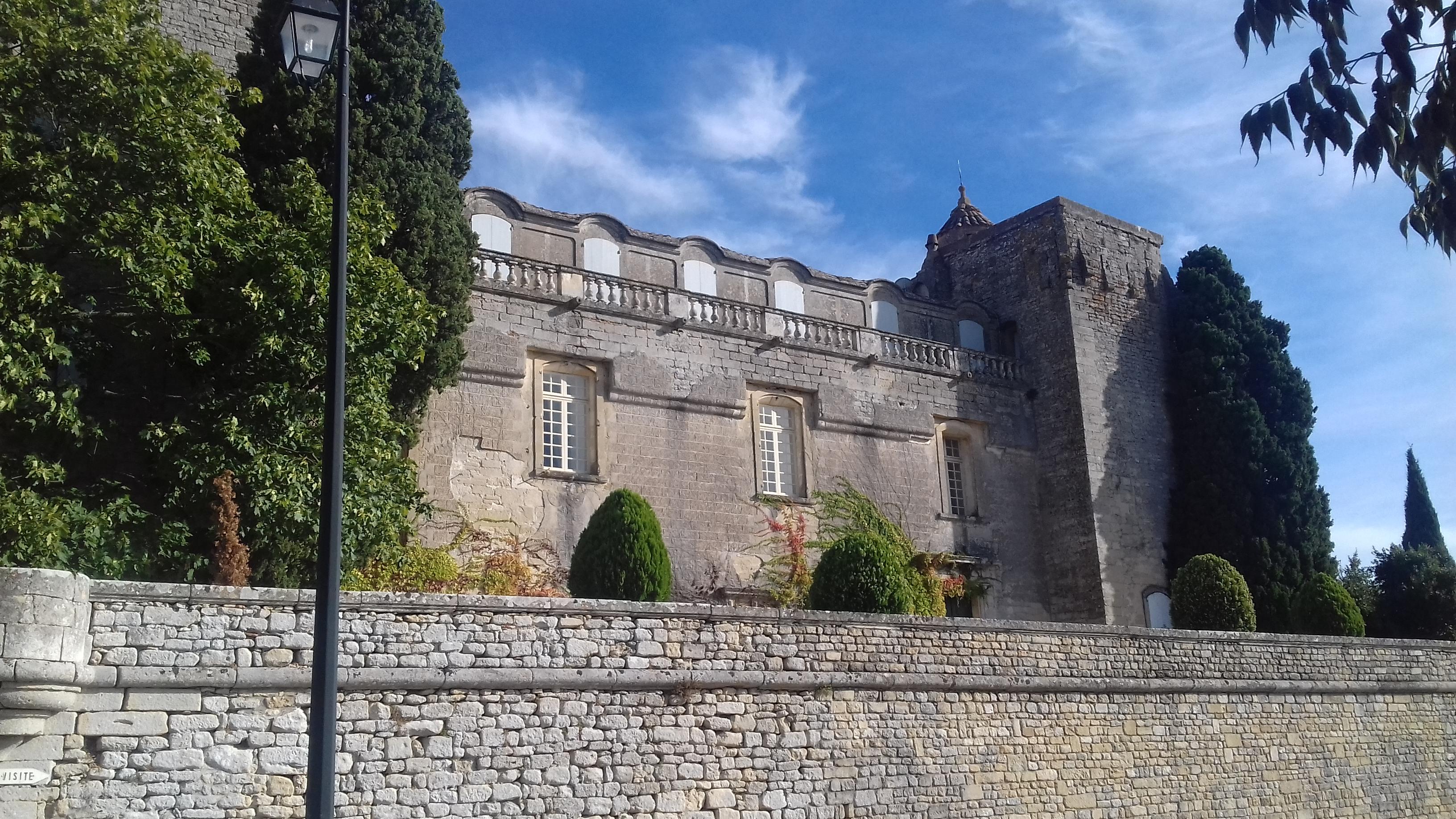 Le Chateau De Villevieille Noblesse Royautes