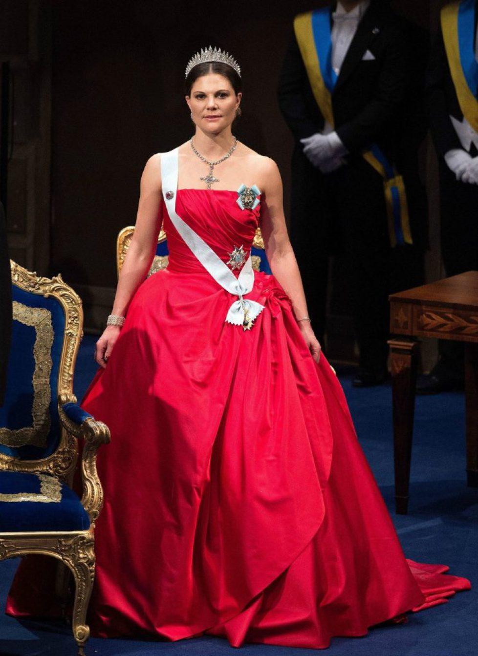 fashion-2014-12-princess-victoria-nobel-peace-prize-stockholm-2014-main