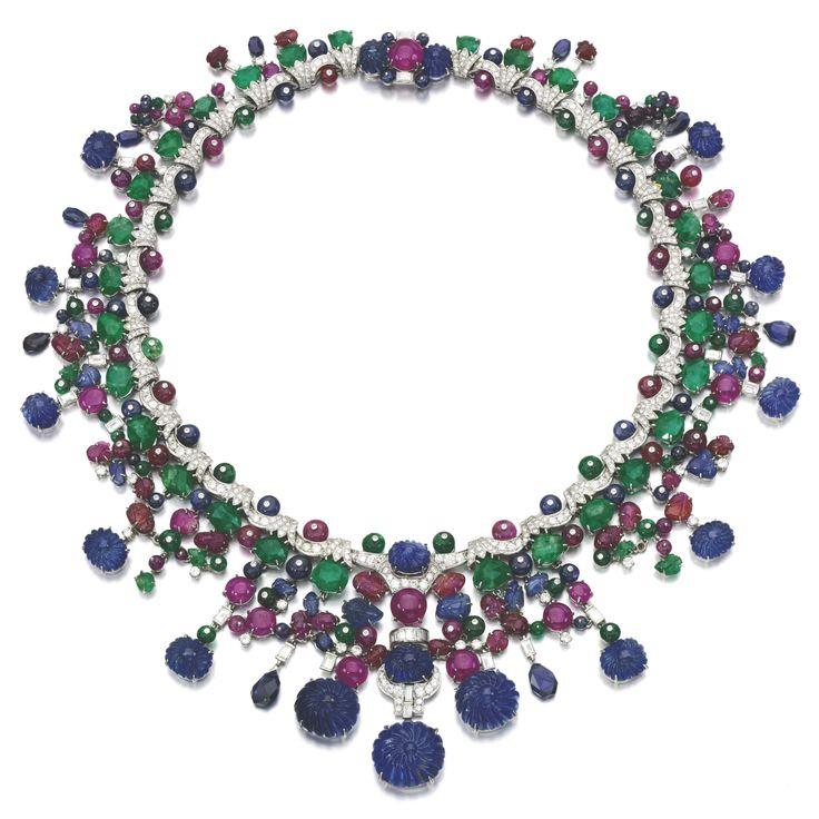 d7e6b43708ea5fab2f08ace7373dc935--expensive-necklaces-baguette-diamond