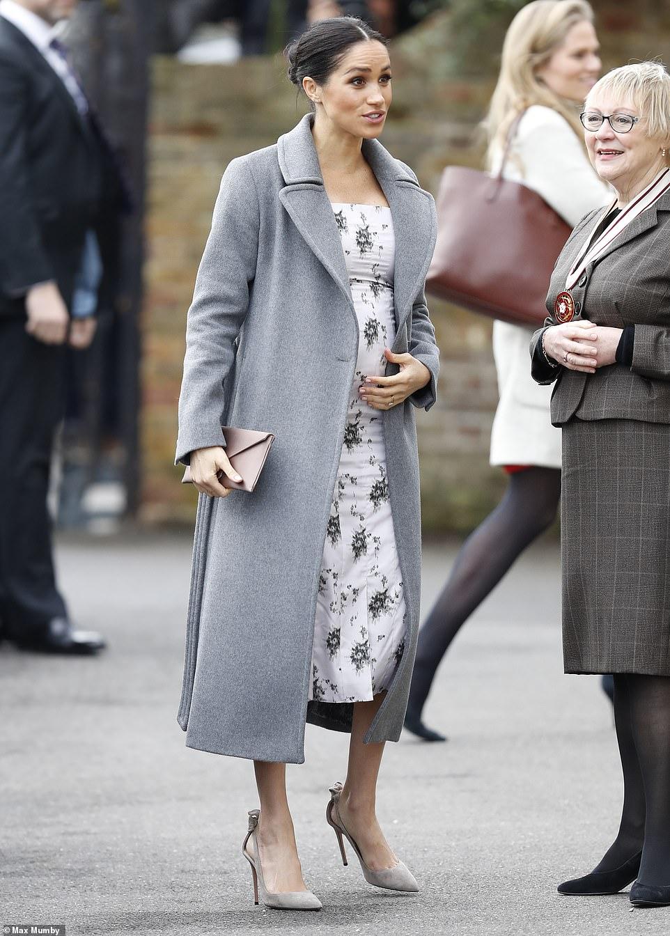 La Duchesse De Sussex En Visite Dans Une Maison Repos