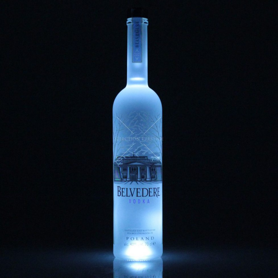 101547_belvedere_vodka_night_sabre_700_1