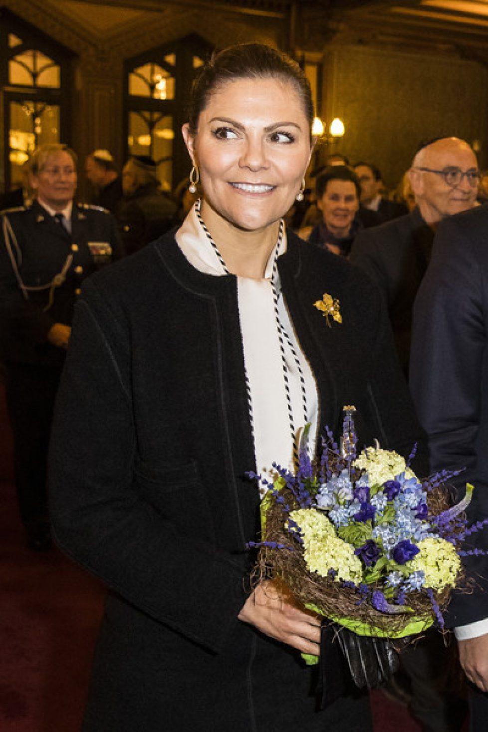 Crown+princess+Victoria+Sweden+Attends+Memorial+5DxZamqE5Zvl