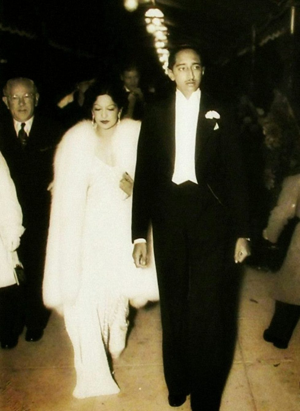 Milind Dombale (Deshmukh) - The Great Holkars - MD2002005 - Maharaja Yashwantrao II Holkar With Maharani Sanyogita Raje Holkar