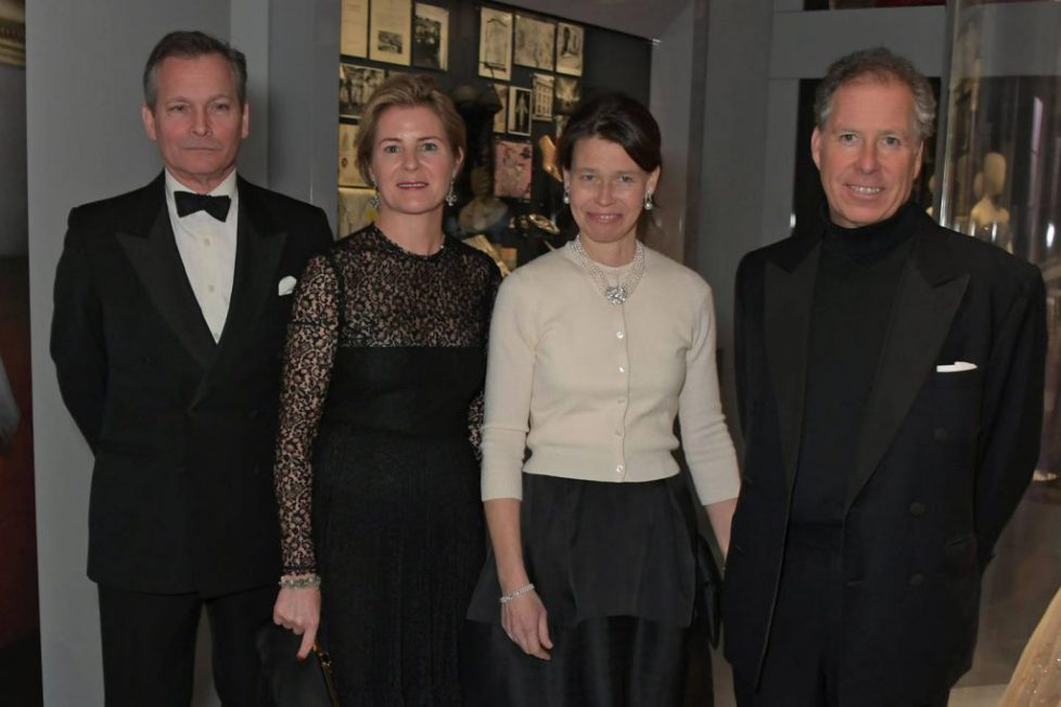 daniel-chatto-serena-armstrong-jones-countess-of-snowdon-lady-sarah-chatto-and-david-armstrong-jones-2nd-earl-of-snowdon-at-the-christian-dior-exhibition-in-london2