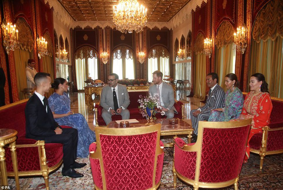 10273274-6743973-Meghan_stunned_in_Carolina_Herrera_to_meet_Morocco_s_royal_famil-a-2_1551123899728