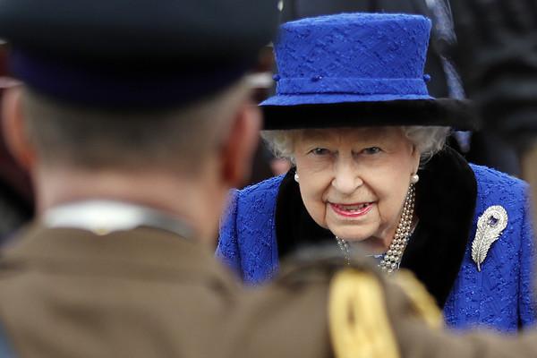 Queen+Attends+Service+Celebrate+100+Years+EBYYpFR_8W4l