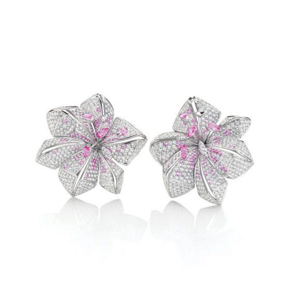 Lily-flower-fragment-earrings-3-568x568